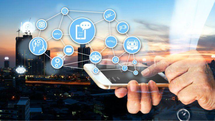 Soziale Netzwerke wie Facebook und eventuell auch LinkedIn & Co. sind die optimale Plattform, um die neuen Chat-based Workspaces Realität werden zu lassen.