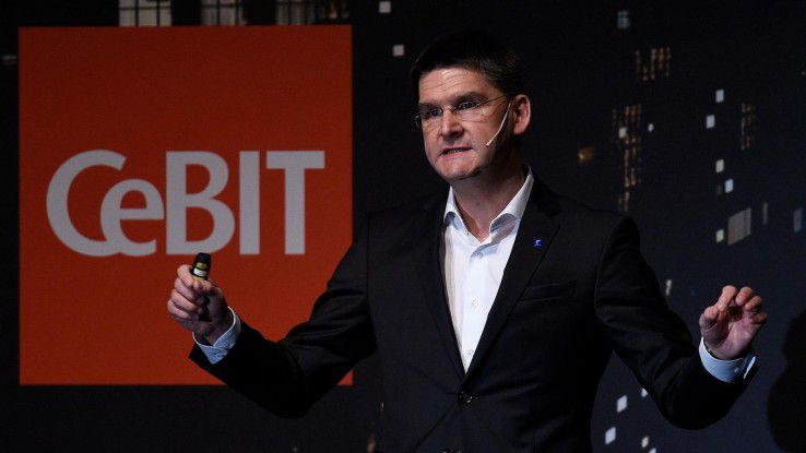 CEBIT-Chef Oliver Frese hat 2018 eine Menge vor. Die CEBIT muss cooler werden, aber die klassische Business-Klientel aus dem deutschen ITK-Mittelstand darf nicht verprellt werden.