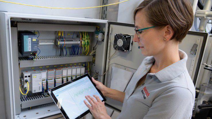"""Für Anne Düll, Ingenieurin bei Bosch, hat sich mit Industrie 4.0 wenig verändert. """"Es ist wichtig, dran zu bleiben, sich weiterzubilden und die vielen Möglichkeiten von Netzwerken und Social-Media-Plattformen zu nutzen."""""""