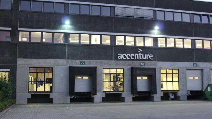 Hinter Lagerhallenflair verbirgt sich das IIoT- Lab von Accenture.