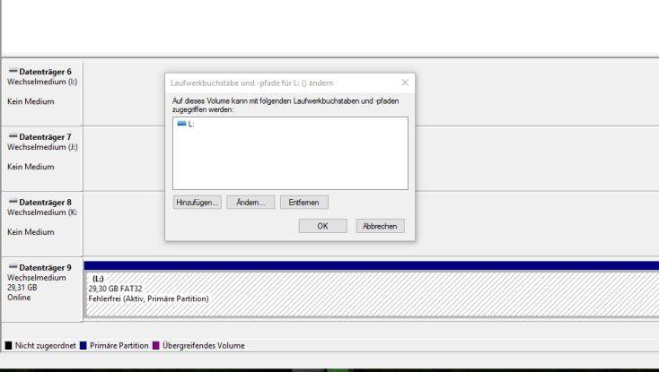 In der Datenträgerverwaltung von Windows lassen sich Laufwerksbuchstaben manuell zuweisen, wenn ein USB-Stick nicht erkannt wird.