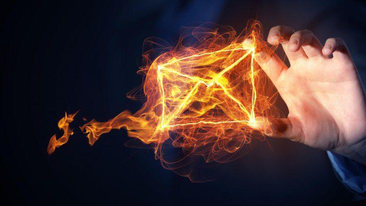 Geschäftliche E-Mails können zum heißen Eisen werden. Insbesondere bei Weiterleitung auf das Privat-Konto.