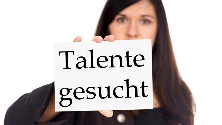Talente werden dringend gebraucht. Unternehmen sollten sich deshalb im Employer Branding nicht nur attraktiv und interessant präsentieren, sondern im Arbeitsalltag auch sein.