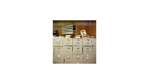 Eine überfüllte Datenablage mit vielen Dopplern belastet das Archiv. Nur schlanke Archive funktionieren wirklich effizient.