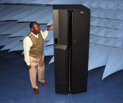 """Der p690 """"Regatta-H"""" unterstützt mit seinen 32 Prozessoren unter AIX 5.2 zunächst 32 LPARs. Foto: IBM"""