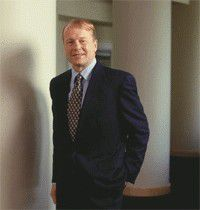 """John Chambers: """"Die meisten unserer Kunden haben für 2003 in bezug auf IT und Personal konservativ budgetiert."""""""
