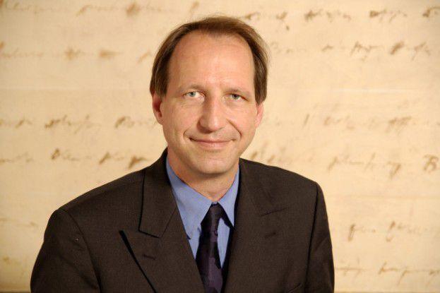 Martin Schweinoch erklärt das E-Mail-Gesetz im Detail