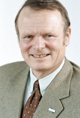 Dr. Hannes Merten gibt Ende Juni 2007 aus persönlichen Gründen den Posten des Vorstandsvorsitzenden auf.