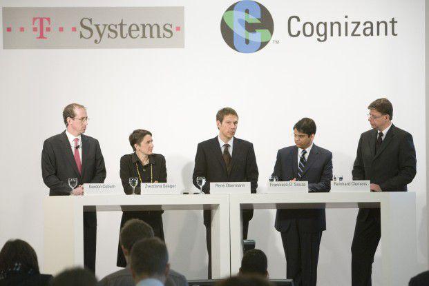 CeBIT-Pressekonferenz von T-Systems und Cognizant (v.l.n.r.): Gordon Coburn (CFO von Cognizant), Zvezdana Seeger (Leiterein der SI-Sparte bei T-Systems), René Obermann (CEO der Telekom), Francisco D´Souza (CEO von Cognizant), Reinhard Clemens (CEO von T-Systems).