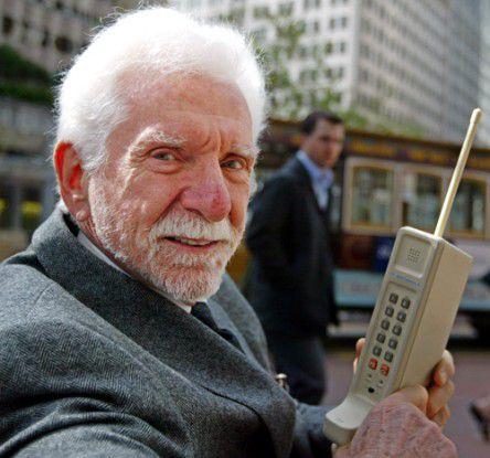 Handy-Erfinder Martin Cooper träumt bereits von Mobilfunk-Implantaten...