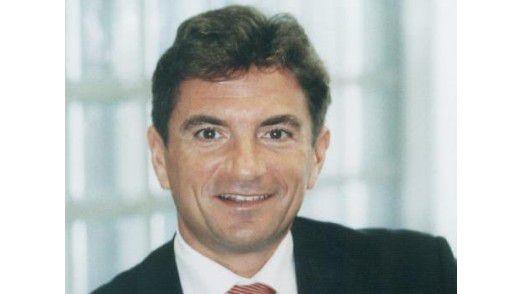 T-Systems-Geschäftsführer Ferri Abolhassan, legte den Grundstein für das neue Rechenzentrum.