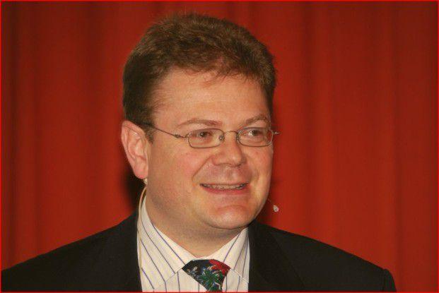 """Derk Fischer: """"IT-Sicherheit hilft, die Wertschöpfung abzusichern""""."""