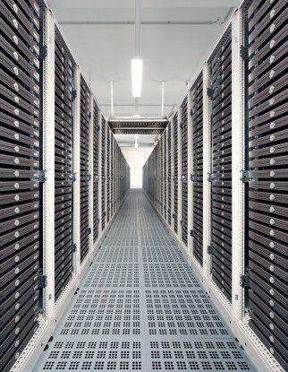 Die Host Europe GmbH richtet die Racks so aus, dass die Server mit der jeweils zu kühlenden Seite in den Kaltgang zeigen.