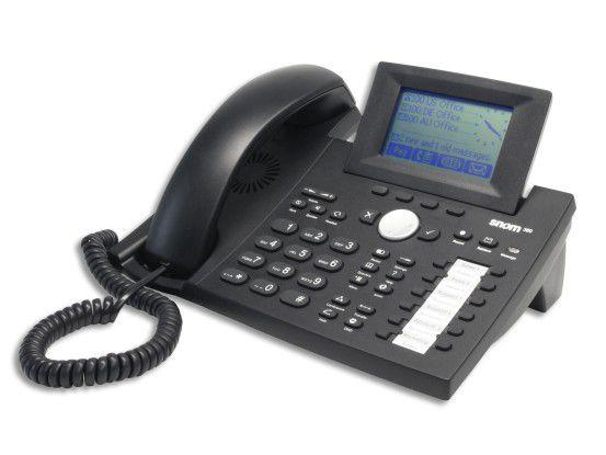 Mit ausgelagerter TK-Anlage brauchen Unternehmen nur noch ein IP-Telefon am Arbeitsplatz, die restliche Hardware entfällt.