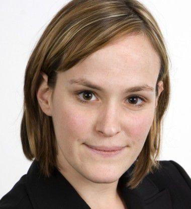 """PAC-Analystin Kerstin Dirtheuer: """"Die bisherigen E-Government-Dienstleistungen in Deutschland stecken noch in den Kinderschuhen."""""""