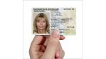 Neuer Personalausweis: Bürger nehmen sich selbst Fingerabdruck ab - Foto: Bundesministerium des Innern (BMI)