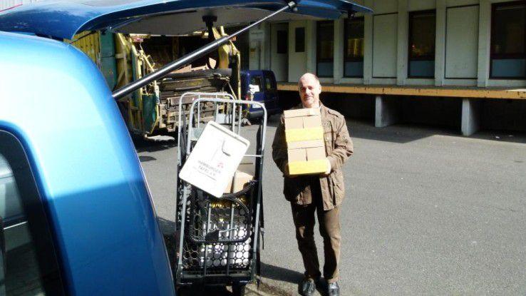 CIO Stephan Rings von der Hamburger Hochbahn AG packt beim Seitenwechsel mit an.